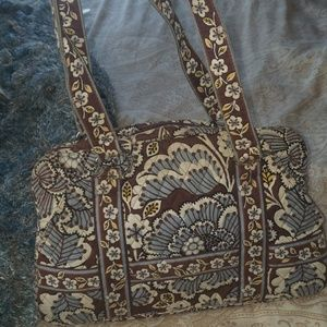Handbags - Beautiful Vera Bradley handbag. NWOT